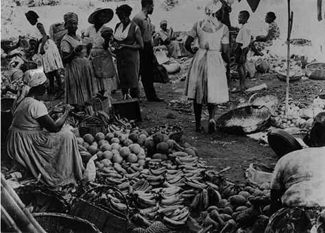 d_0007817_vendor_weighs_sweet_potatoes.jpg