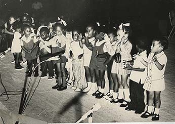 d_0005138_children_singing.jpg