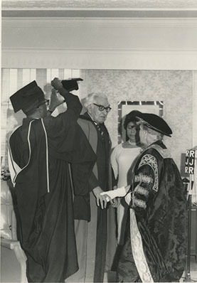 d_0006343_bustamante_honorary_degree_princess_alice.jpg