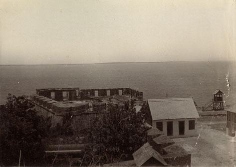 http://nlj.gov.jm/Digital-Images/d_0002456_remains_spanish_fort.jpg