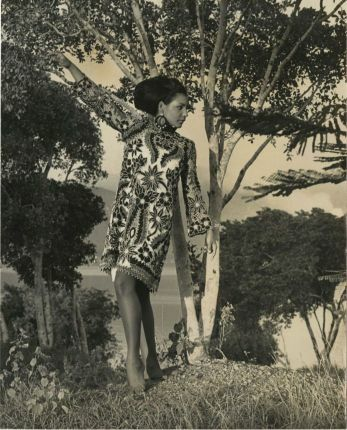 d_0006860_lady_model_short_dress.jpg