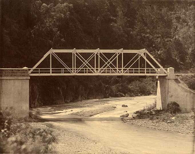 http://nlj.gov.jm/Digital-Images/d_0003970_yallahs_river_bridge.jpg
