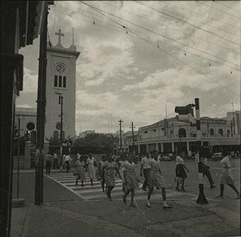d_0006094_pedestrian_corner_king_st_parade.jpg