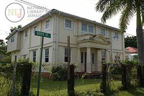 d_0004425_st_anns_bay_lodge_building.JPG