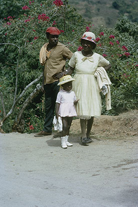 d_0007014_man_woman_child_yallahs_valley_st_thomas_1972.jpg