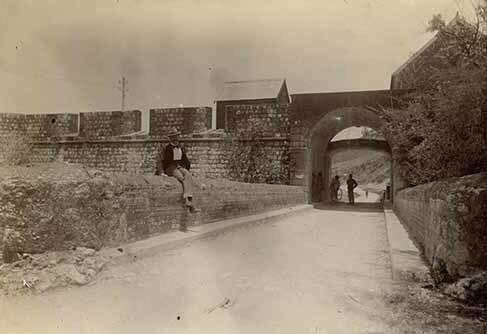 http://nlj.gov.jm/Digital-Images/d_0002655_remains_spanish_fort_rockfort.jpg