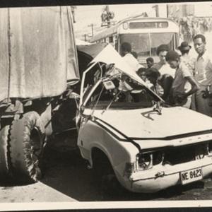 d_0008063_car_truck_collision.jpg