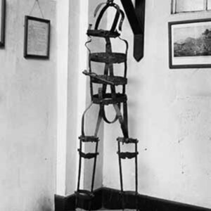 d_0007583_iron_gibbet_slaves.jpg