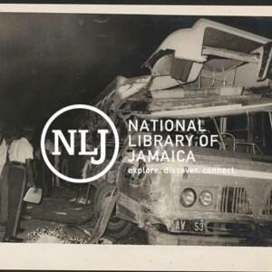 d_0008128_police_scene_bus_crash.jpg