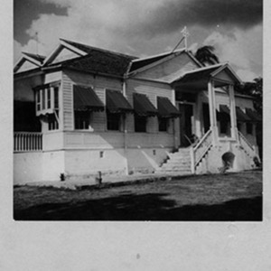 d_0007383_18th_century_house_bellevue.jpg