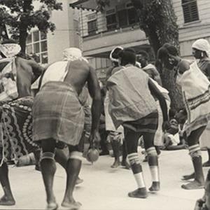 d_0006954_natives_dancing.jpg