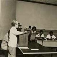 http://nlj.gov.jm/Digital-Images/d_0002747_richard_hart_presenting.jpg
