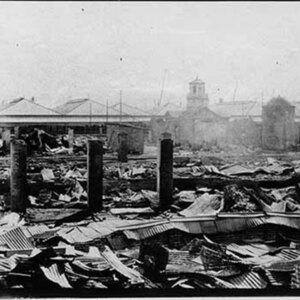 d_0007683_warehouse_ market_earthquake.jpg