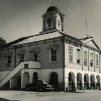 http://nlj.gov.jm/Digital-Images/d_0003737_lucea_town_hall.jpg