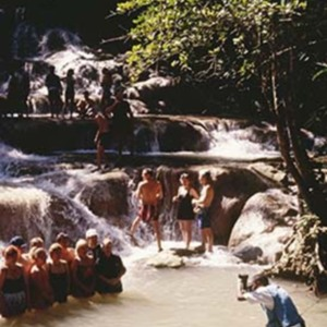 d_0006597_dunns_river_falls_tourists_guide.jpg