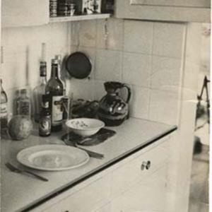 d_0006637_items_stocked_kitchen.jpg