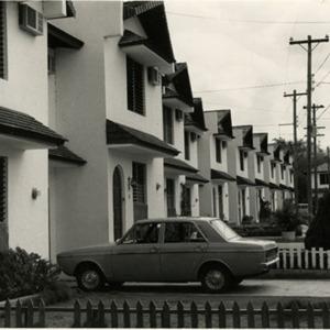 d_0007798_town_houses_in_st_andrew.jpg