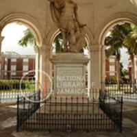 d_0004410_rodney_memorial_statue.JPG