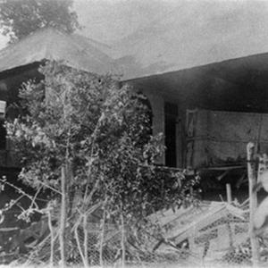 d_0007704_wrecked_dwelling_house_kingston_earthquake.jpg