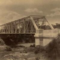 http://nlj.gov.jm/Digital-Images/d_0003939_hermitage_bridge.jpg