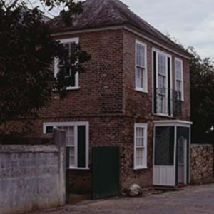 d_0006591_doctors_house_falmouth.jpg