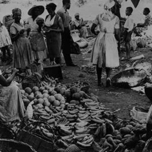 d_0007817_vendor_weighs_sweet_potatoes.jpg