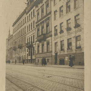 d_0006312_house_with_notice_cologne.jpg