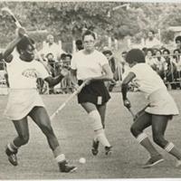 d_0004968_guyana_bahamas_women_hockey_players.jpg